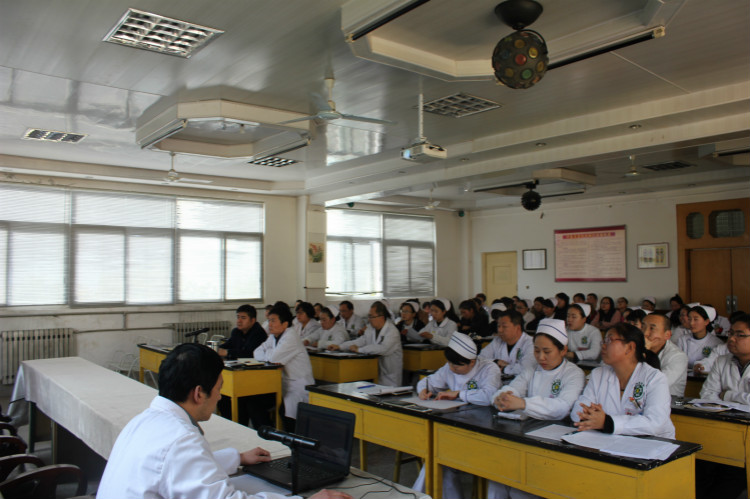 60人左右科室会照片-凤县人民政府 工作动态